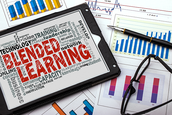 Manage Training with Blended Learning Strategies